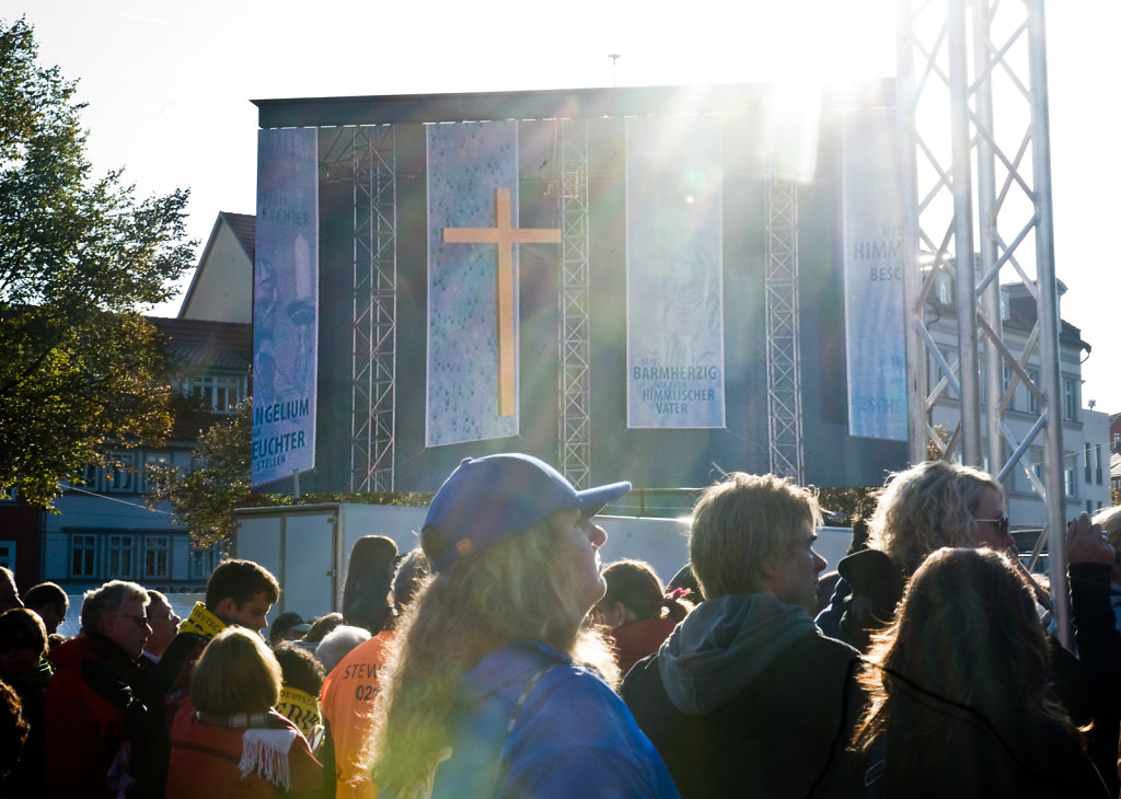 SMN-2011-09-24-PapstErfurt-0684.jpg