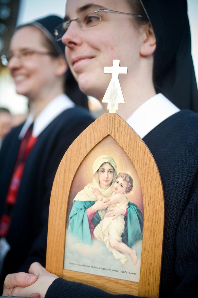 SMN-20110924-Papst-Erfurt-0479.jpg